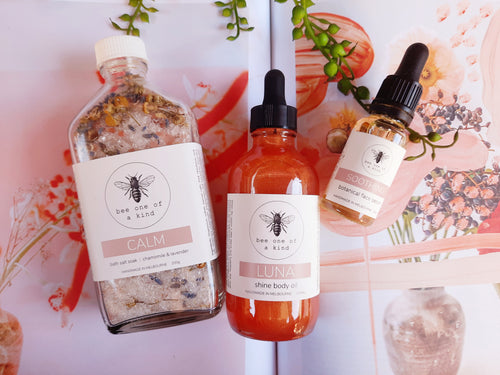 gift pack features bath soak, body oil & face serum, natural ingredients