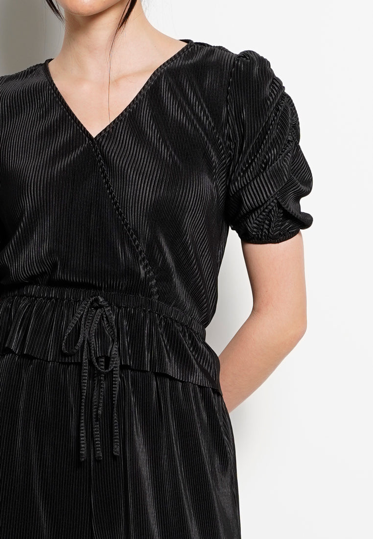 Women Woven Pleated Blouse - Black