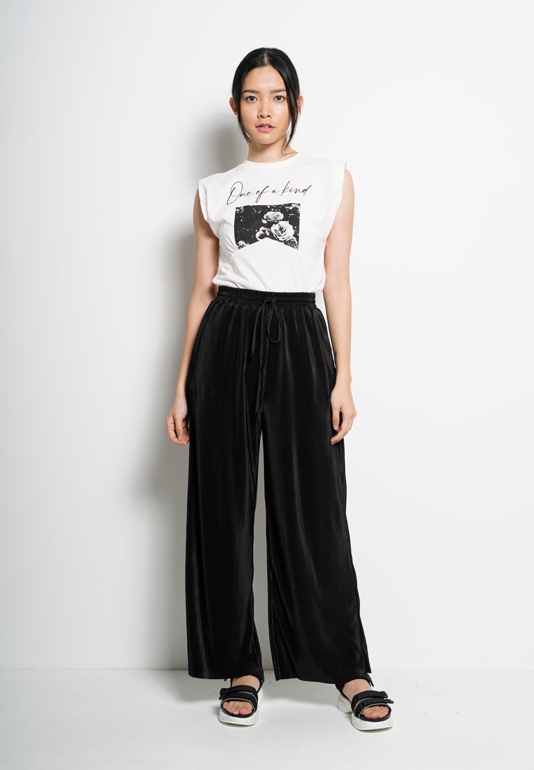 Women Wide-Leg Pleated Pants - Black