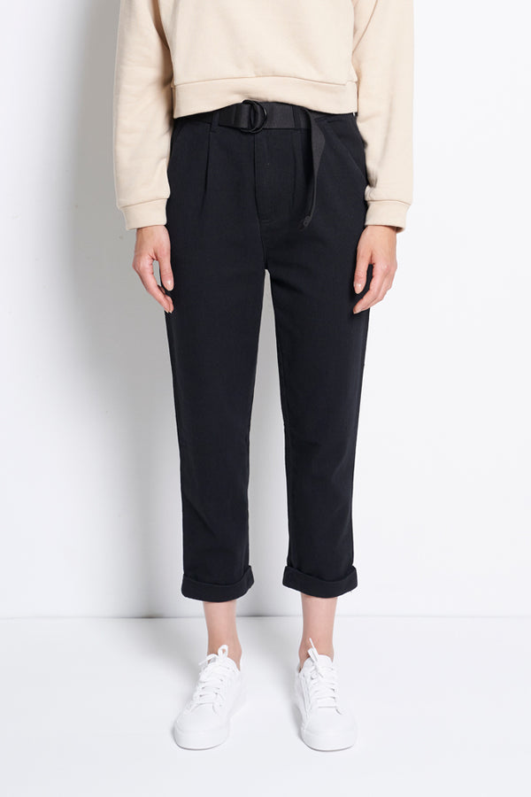 Women Tapered Pants With Belt - Black