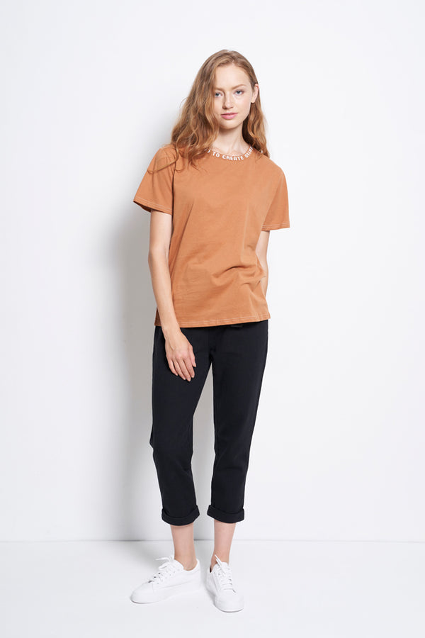 Slogan Neckline Short Sleeve Blouse - Brown