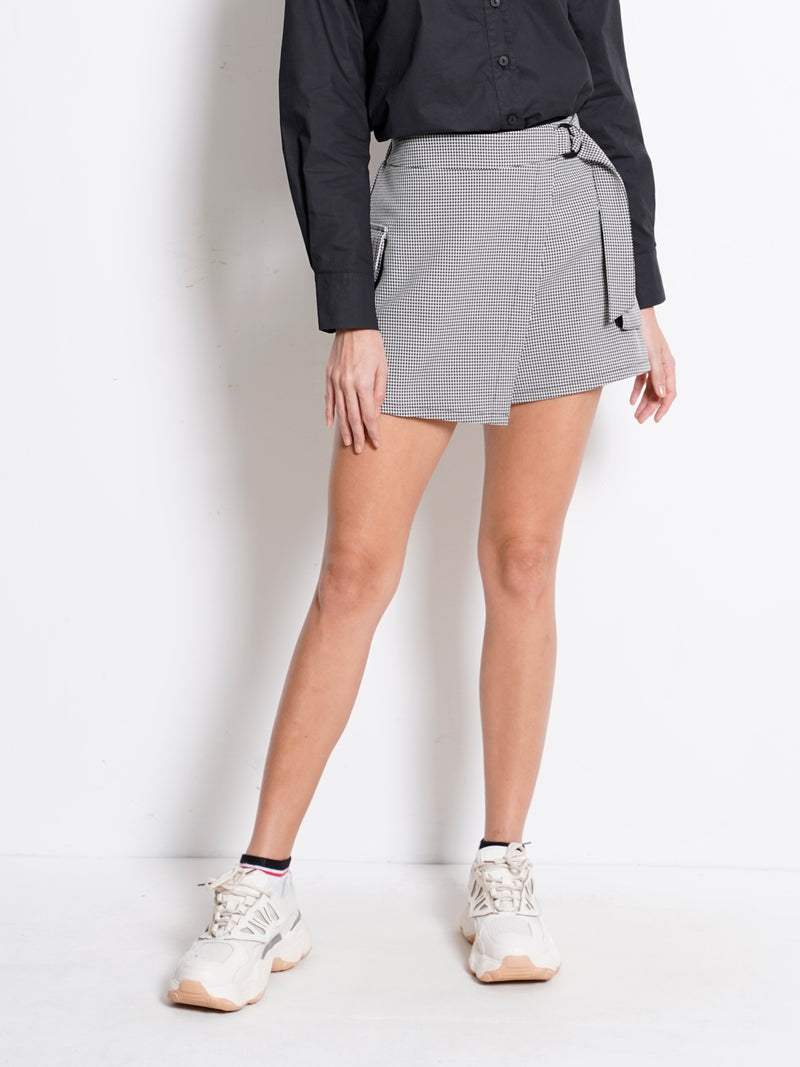 Checked Skort With Buckle - Black