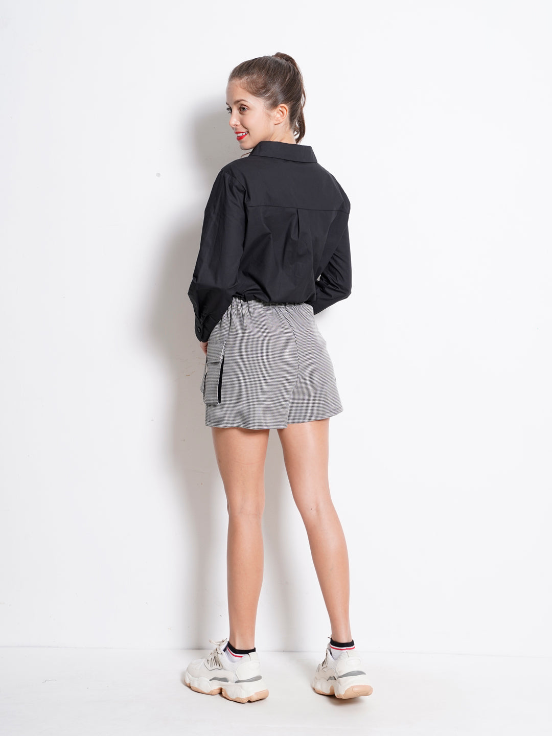 Women Checked Skirt With Buckle - Black