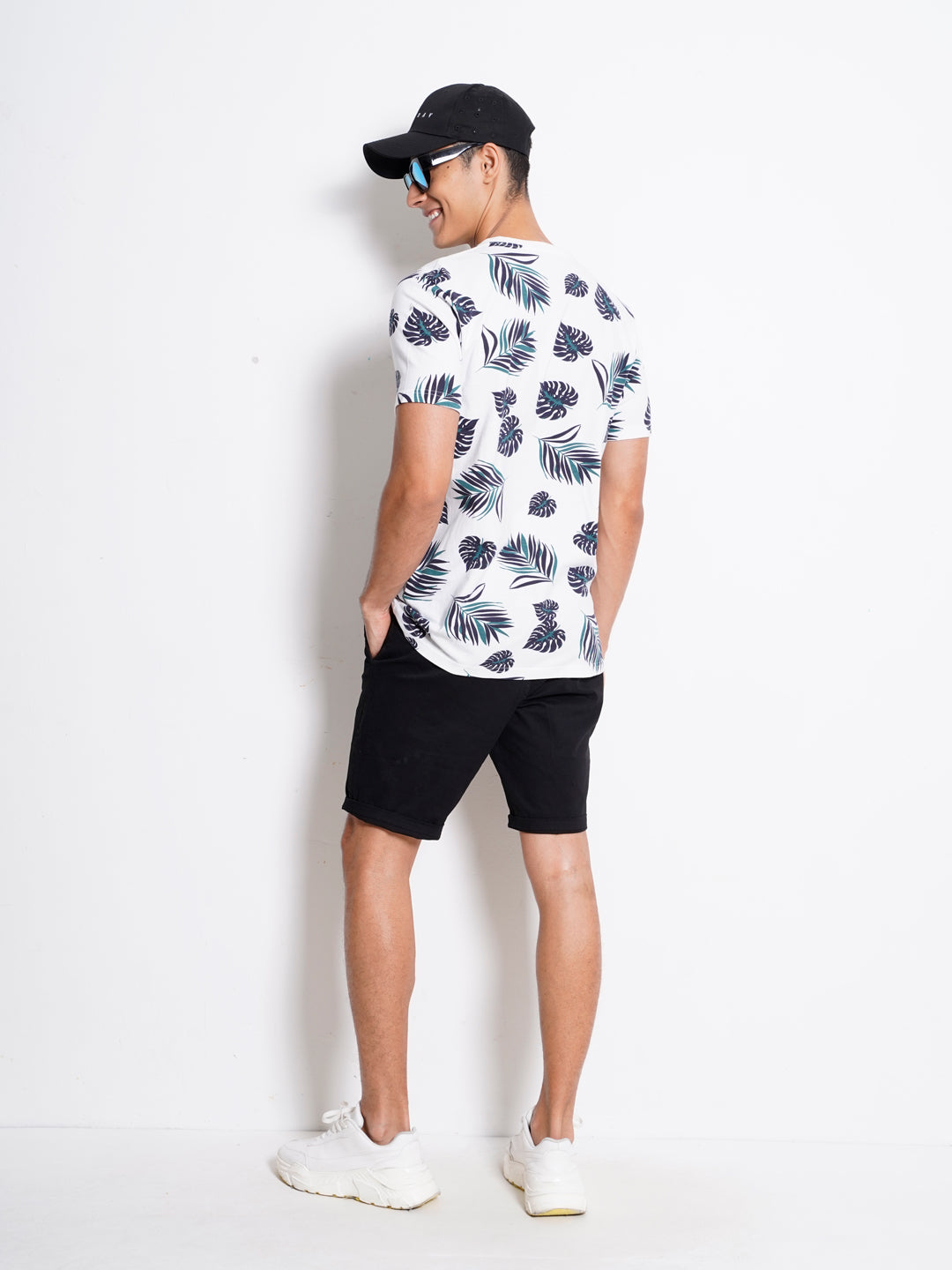 Men Graphic Short Sleeve T-Shirt - Black