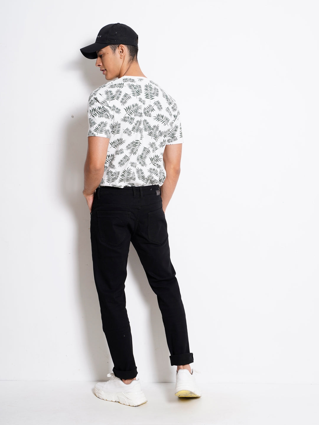 Men Slim Fit Long Jeans - Black