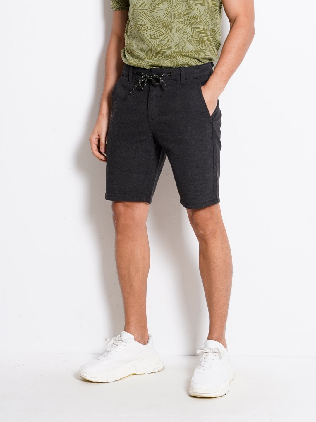 Men Short Pants With Drawstring - Black - KQF20H2576