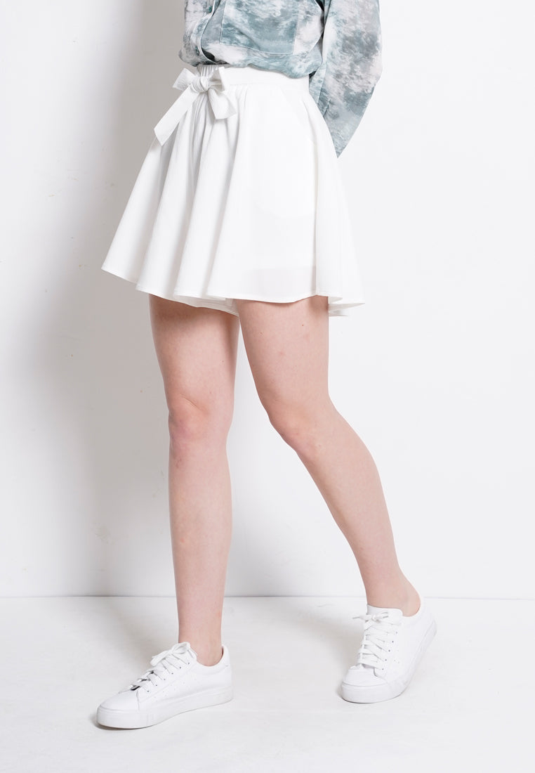 Tied Front Short Pants - White
