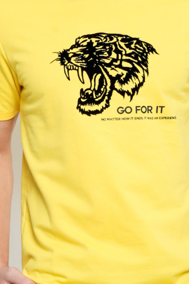 Short Sleeve Tee With Velvet Tiger - Yellow