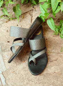 Crossed Wedges - Grey