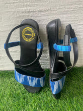 Load image into Gallery viewer, Sandals with back strap - Blue
