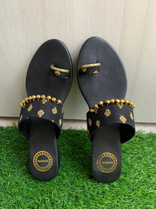 Monocrome Black wedges with ghungru