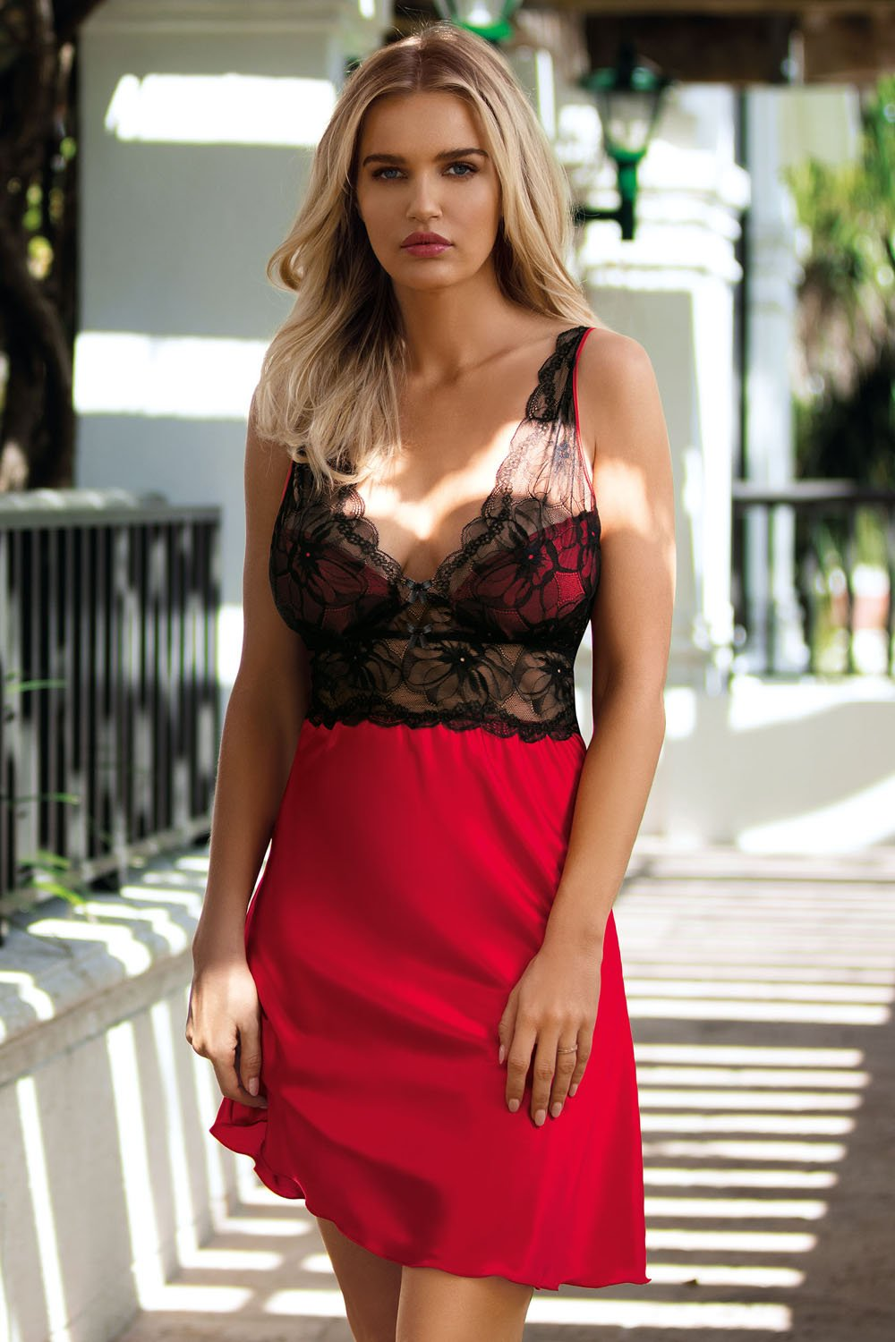 Sara Perfect Red Chemise - EVOLESCENT