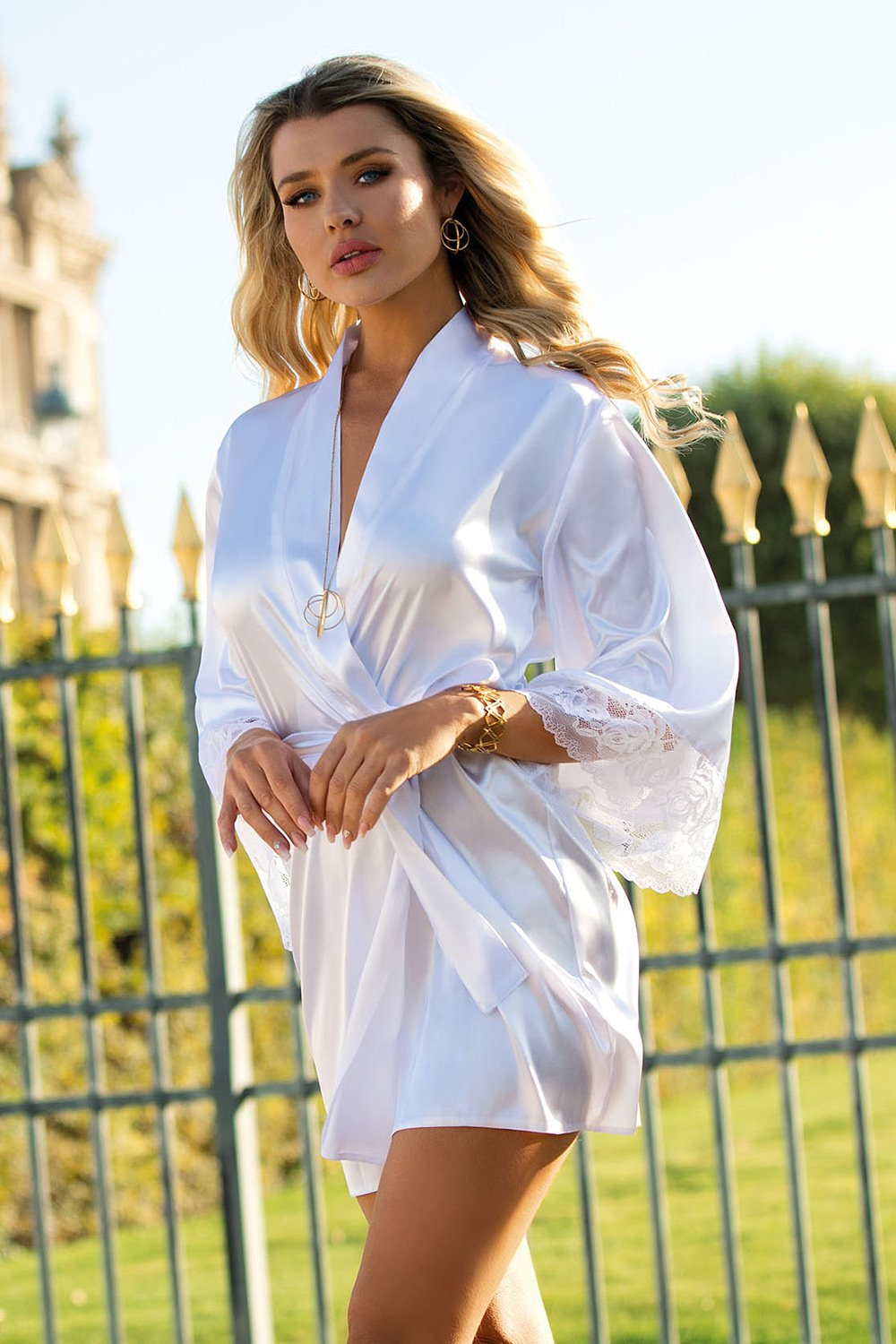 Adelaide Beautiful White Dressing Gown - EVOLESCENT