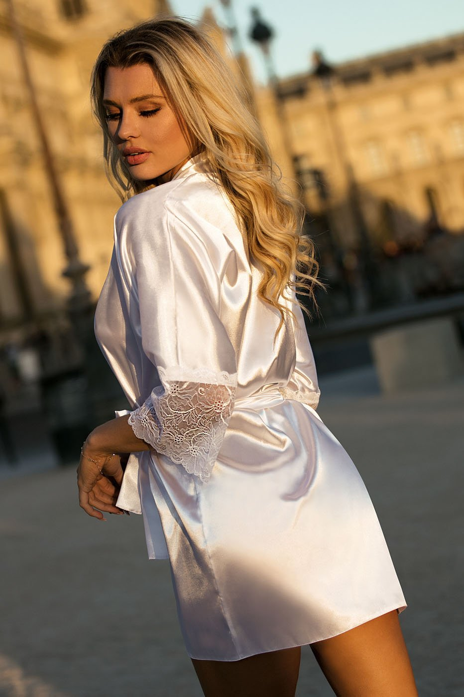 Judyta Beautiful White Dressing Gown - EVOLESCENT