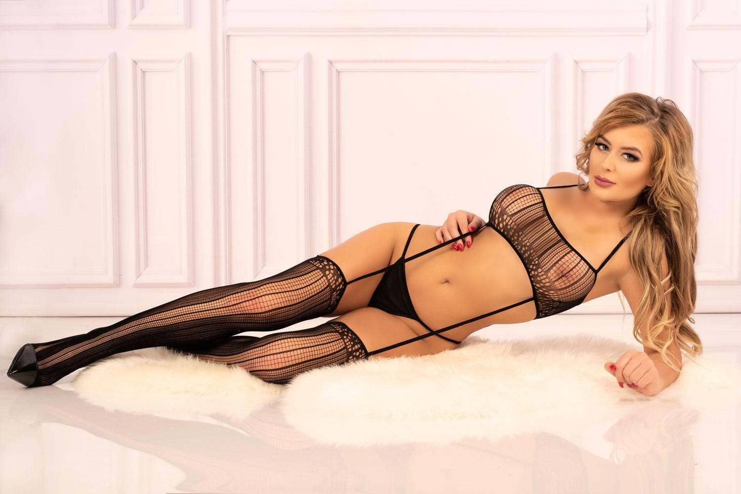 Madastres Black Bra Combined With Stockings With Thin Straps Bodystocking - EVOLESCENT