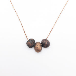Makumé Gané Three Pebble Necklace