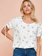 Load image into Gallery viewer, Floral Printed Top With Ruched Sleeves