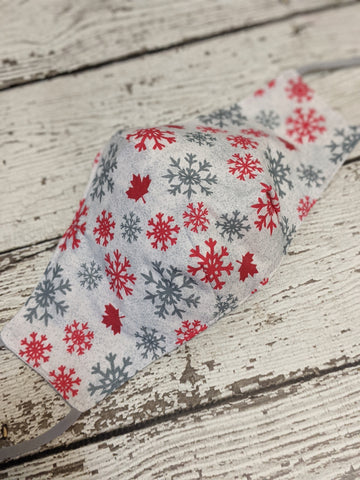 Fitted Mask - Medium - Canadian Snowflakes on White