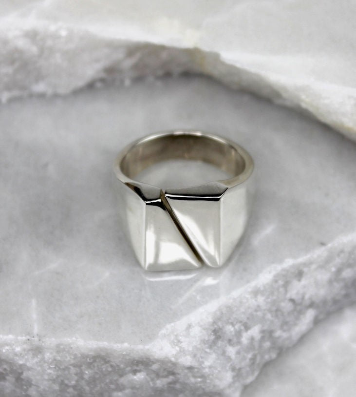 MEXICAN SILVER SQUARE TOP CUT DIAGONAL RING