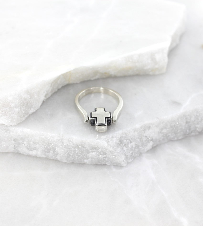 MEXICAN MADE SILVER FLIP CROSS RING