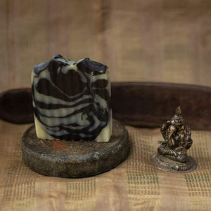 ACTIVATED CHARCOAL & BASIL BODY SOAP