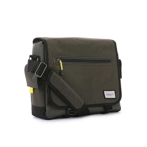 Antler Urbanite Evolve Laptop & Tablet Messenger Bag 15.4""