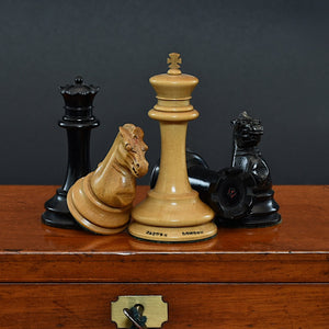 Boxed Set of Unweighted Staunton Pattern Chess Men