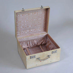 Vellum Hat Case