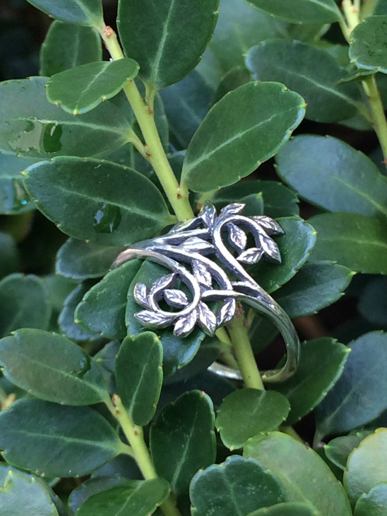 Intertwining Leaves Ring | Sterling Silver Size 5 6 7 8 9 | Light Years