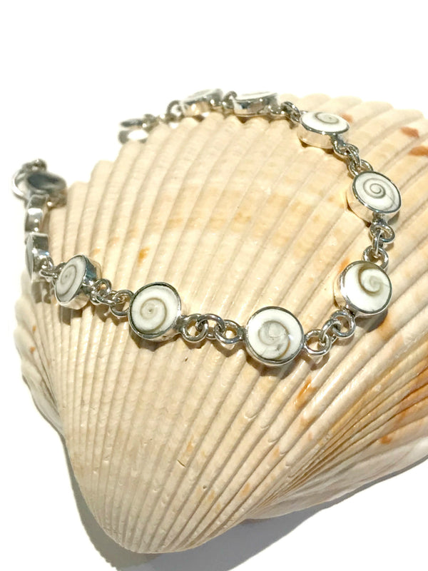 Linked Shiva's Eye Shell Bracelet | Sterling Silver | Light Years
