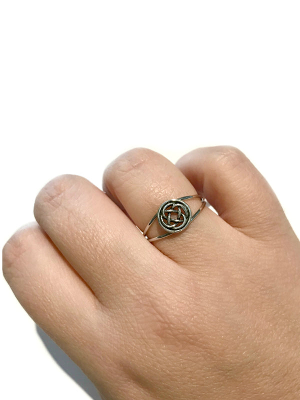 Encircled Celtic Knot Ring | Sterling Silver Size 5 6 7 8 9 | Light Years