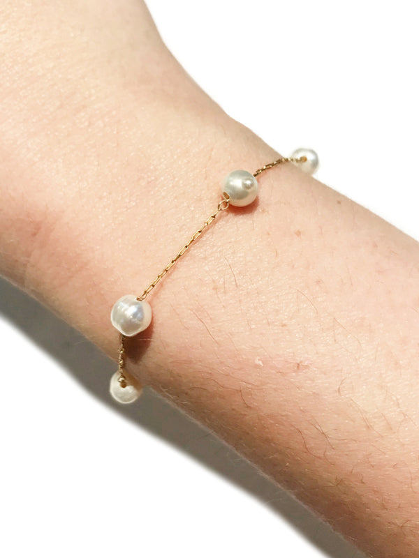 Five Pearl Chain Bracelet | Gold Fashion Adjustable | Light Years