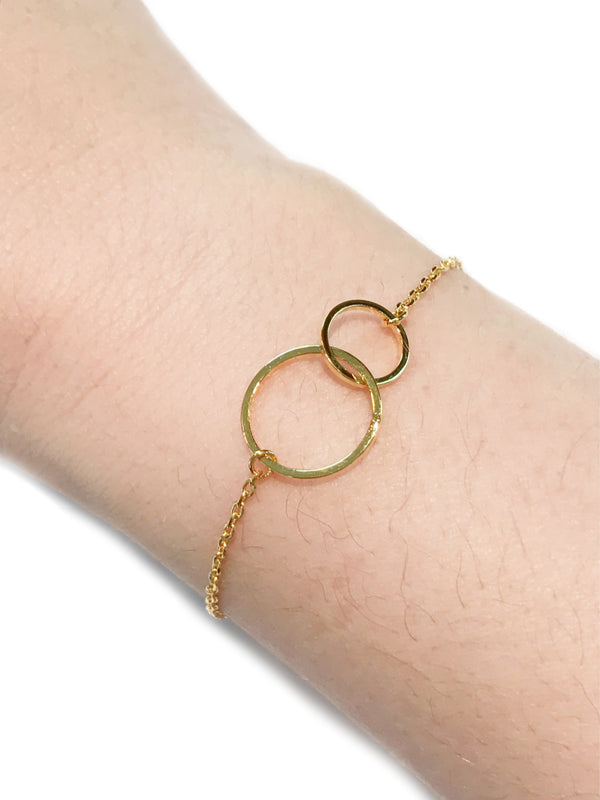 Linked Rings Bracelet | Gold Silver Plated Chain | Light Years Jewelry