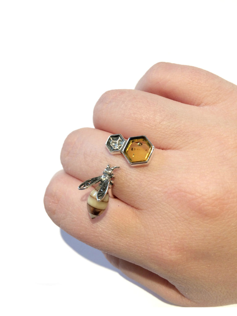 Baltic Amber Honeybee & Comb Ring | Size 9 Sterling Silver | Light Years