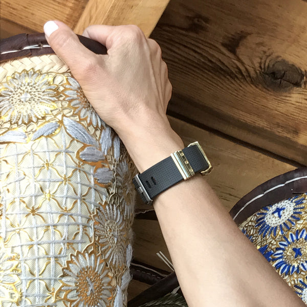 Bytten Azul Stack on Fitbit Charge, Charge HR, and Charge 2 with ripped jeans - gold