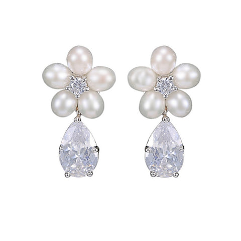 Crystal and pearl earrings made with freshwater pearls and high quality cubic zirconia crystals on a rhodium plated finish, they measure 2.7cm.