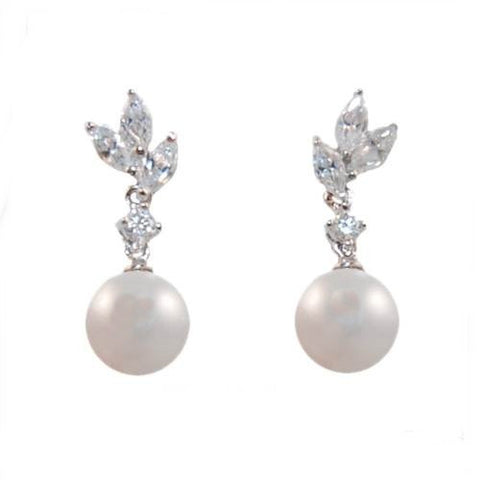 Elegant crystal and pearl earrings