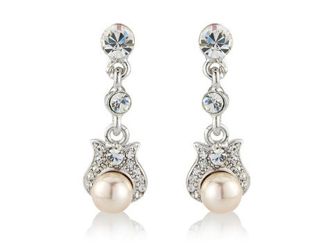 Clear crystal and pearl earrings with a 2.5cm drop