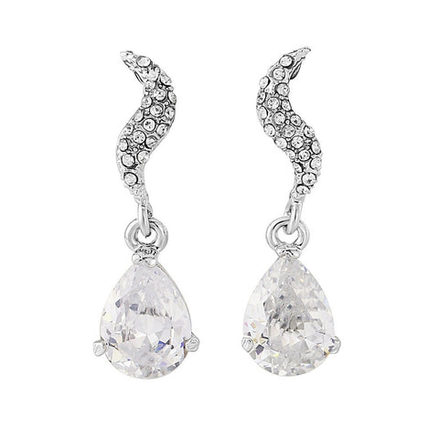 Oval shaped crystal chandelier drop earrings on a sparkling silver tone finish, earrings have a drop of 3.5cm.
