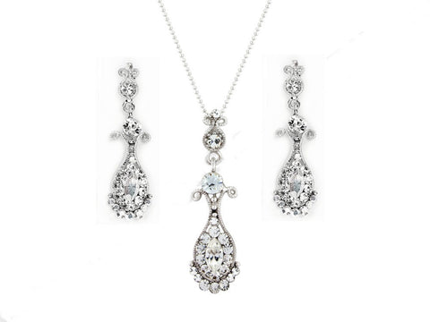 Sophisticated and elegant crystal earrings and necklace set