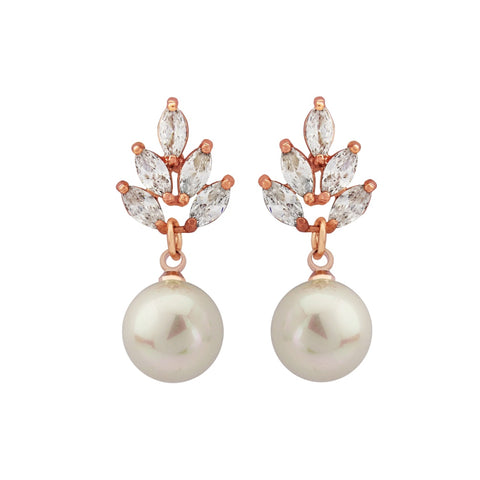 Graceful crystal and pearl earrings with a rose gold finish