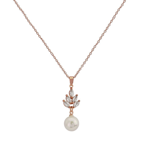 Elegant crystal and pearl necklace with rose gold finish