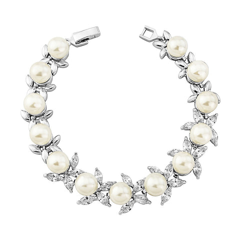 Crystal and pearl bracelet made with clear crystals and ivory pearls, width is 1cm