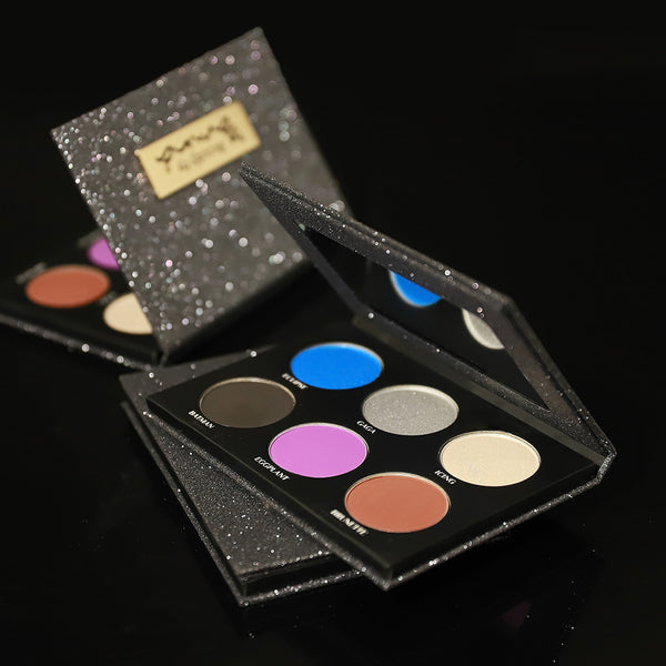 THE HOLIDAY - GREY EYESHADOW PALETTE