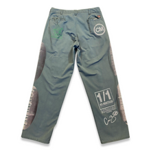 Load image into Gallery viewer, Green Work Pants (33x32)