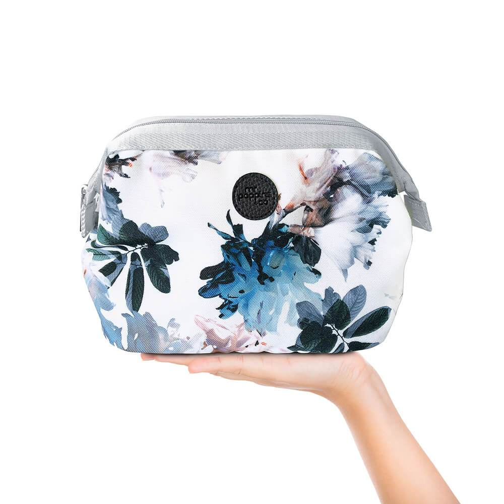 Cosmetic bag in floral pattern