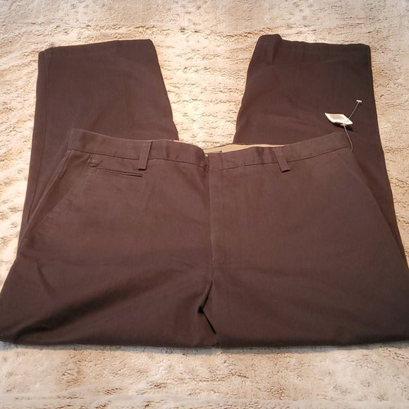 NWT Dockers Classic Black Flat Front No Cuff Chino 36x30