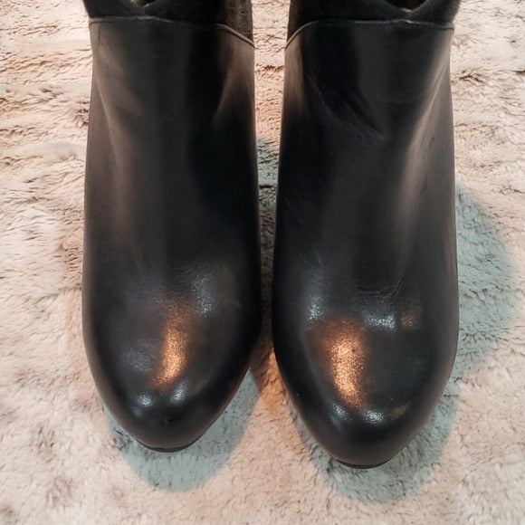 Me Too Lexington 6 Black Leather and Fur Booties Size 6