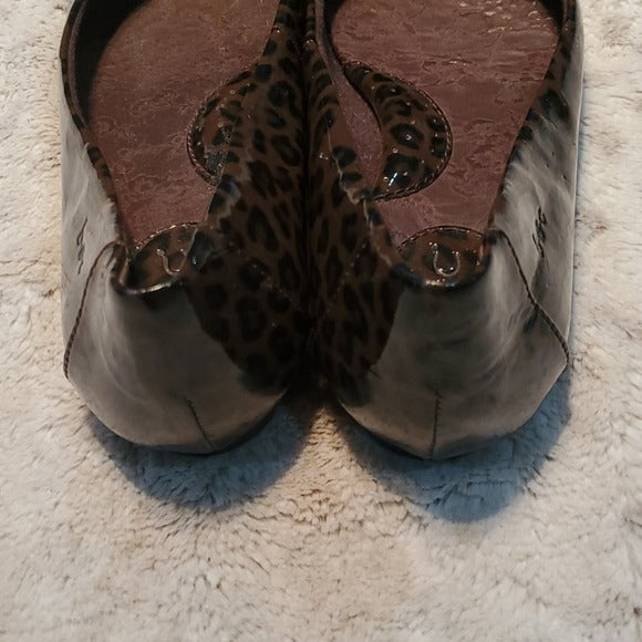 Born Man Made Brown Leopard Print Flats Size 6.5