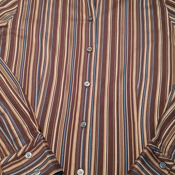 Eddie Bauer Wrinkle Resistant Button Down Shirt Size S